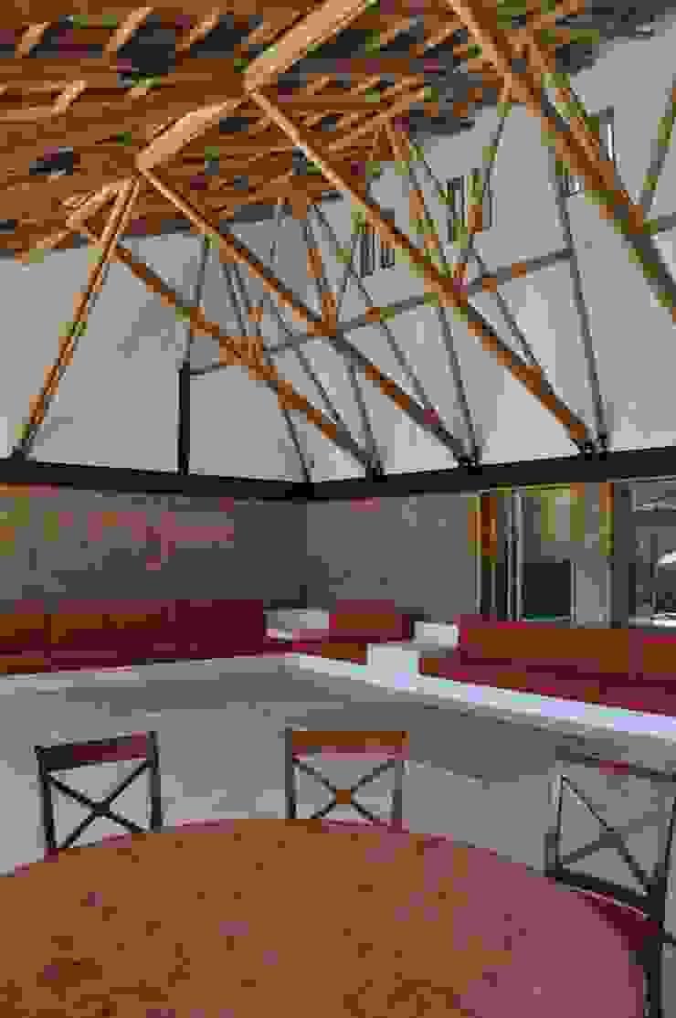 Casa de retiro Laguancha Salones modernos de José Vigil Arquitectos Moderno