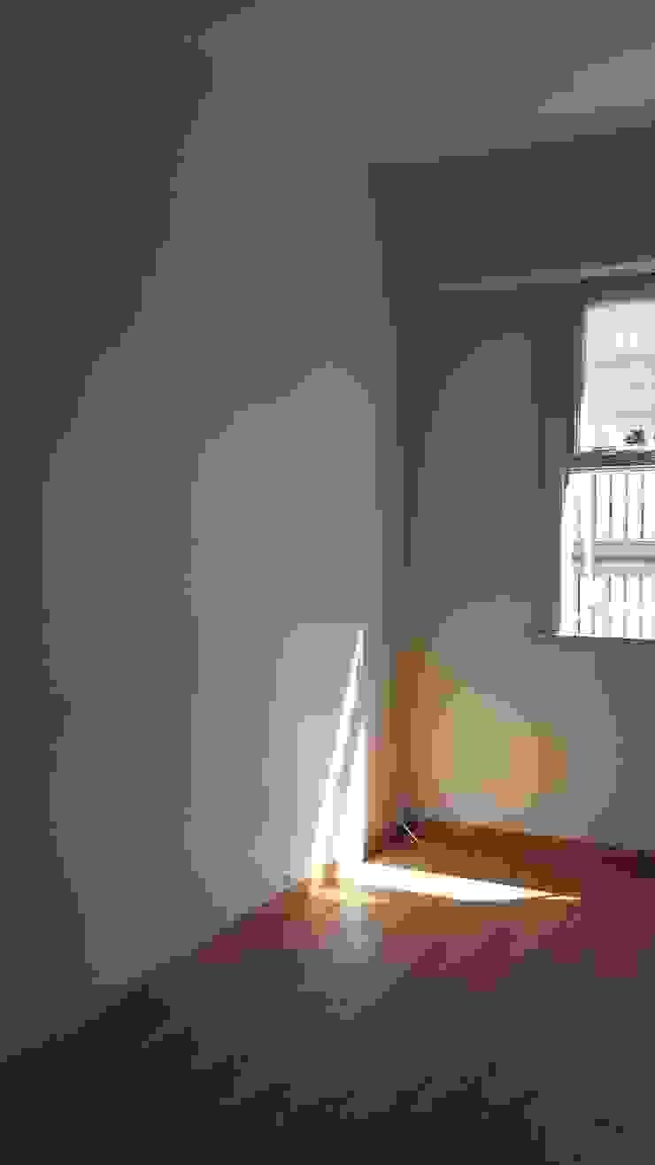 Sala de estar por Ana Adriano Design de Interiores Moderno