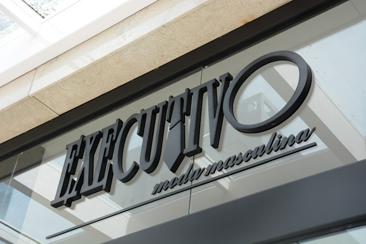 Studio C.A. Arquitetura Classic offices & stores MDF Black