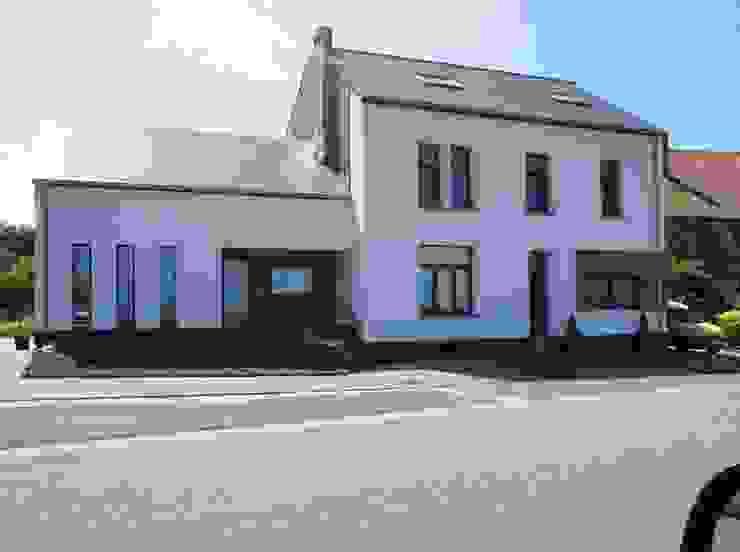 Habitation et cabinet médical à Sombreffe Bureau d'Architectes Desmedt Purnelle Maisons modernes