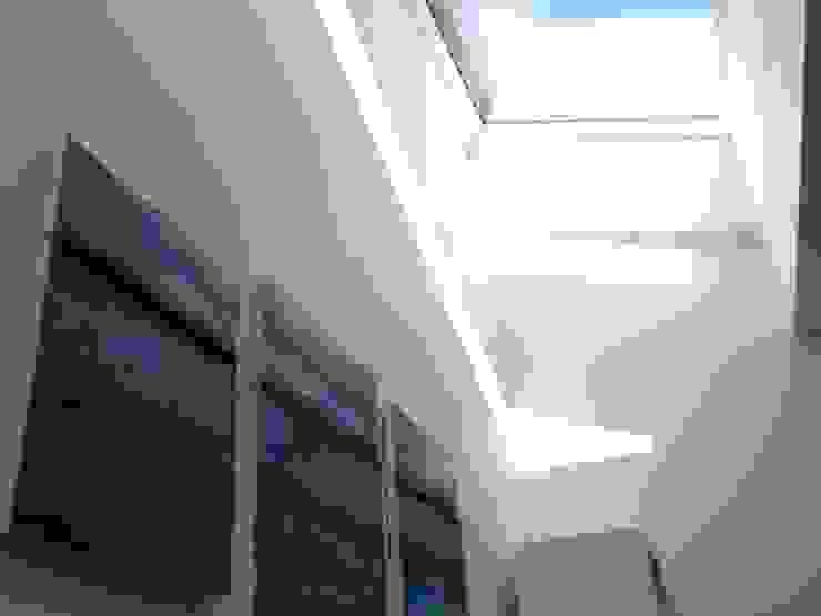 Eclairage naturel zénital de la nouvelle annexe Jardin d'hiver classique par Bureau d'Architectes Desmedt Purnelle Classique