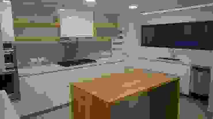 Apartamento RP Cocinas modernas de AMR ARQUITECTOS Moderno