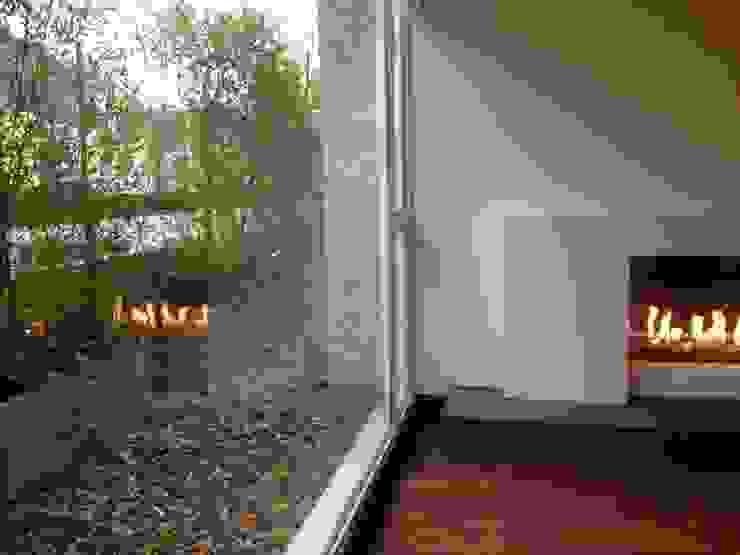 AMR ARQUITECTOS Modern Terrace