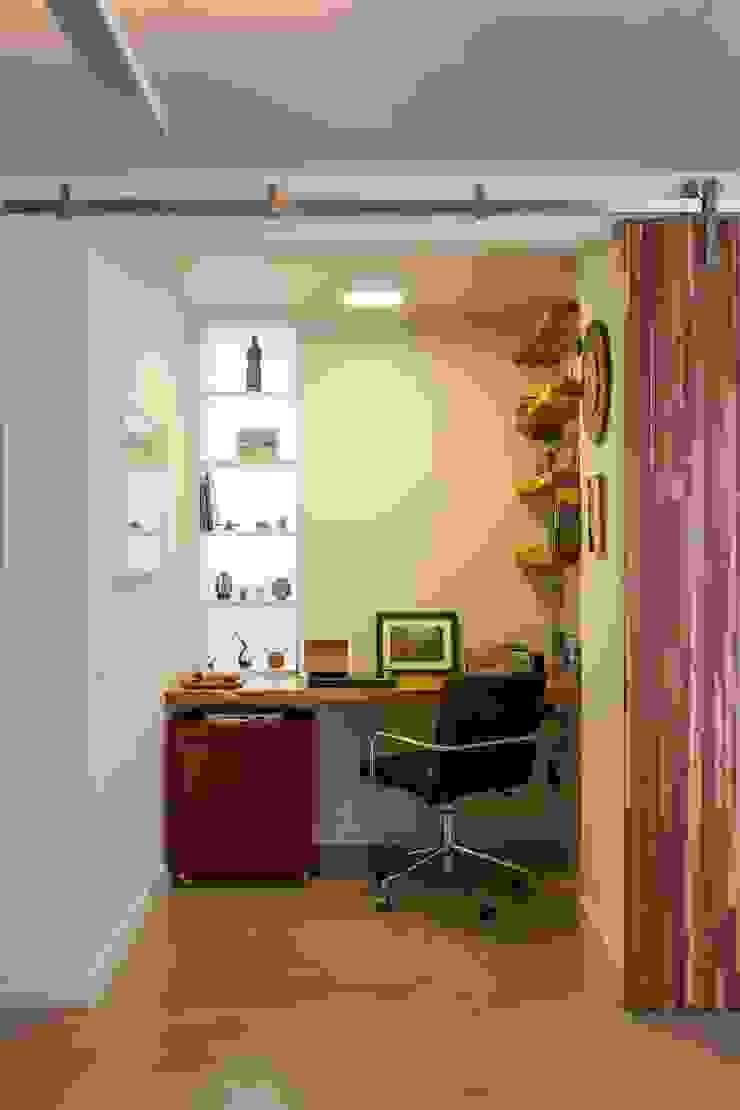 Modern style study/office by Nautilo Arquitetura & Gerenciamento Modern Wood Wood effect