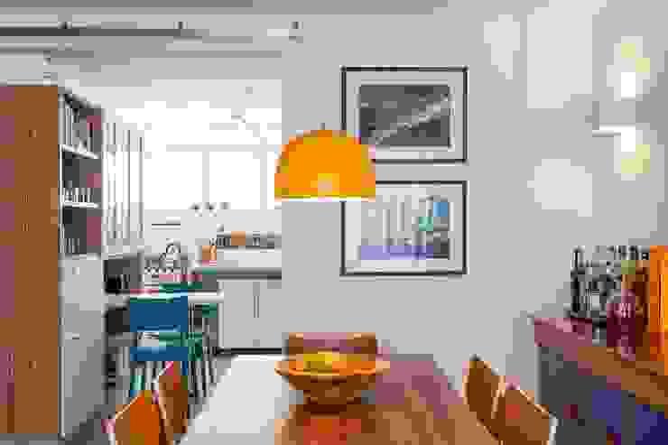 Apartamento do Amigo Calculista Salas de jantar modernas por Nautilo Arquitetura & Gerenciamento Moderno Madeira Efeito de madeira