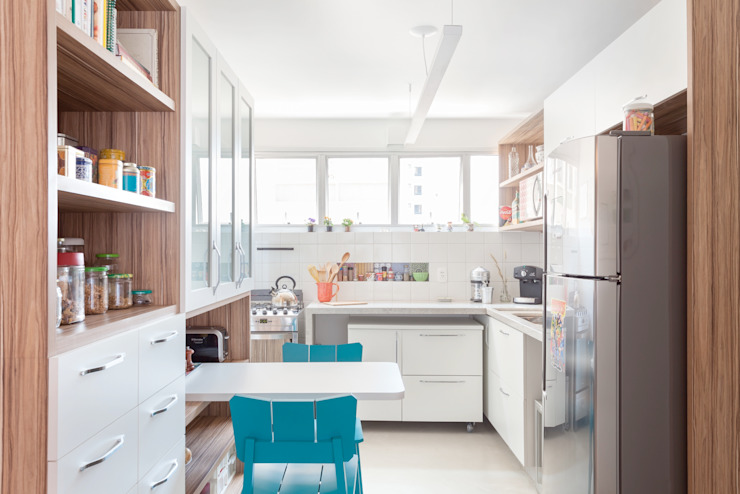 Apartamento do Amigo Calculista Nautilo Arquitetura & Gerenciamento Cozinhas modernas Azulejo