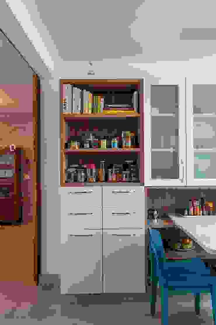 Modern style kitchen by Nautilo Arquitetura & Gerenciamento Modern MDF