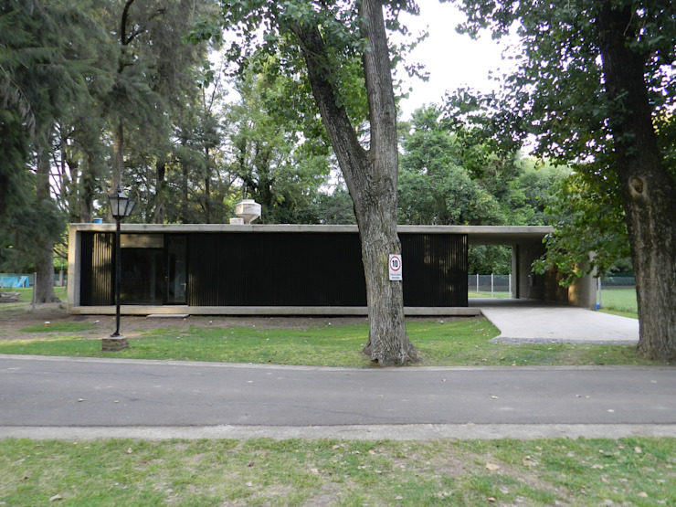 Casa Bunker en La Reja, Moreno de dammuebles Moderno Hormigón