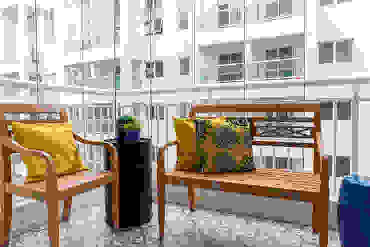 Varanda coberta Varandas, alpendres e terraços modernos por Márcio Campos Arquitetura + Interiores Moderno