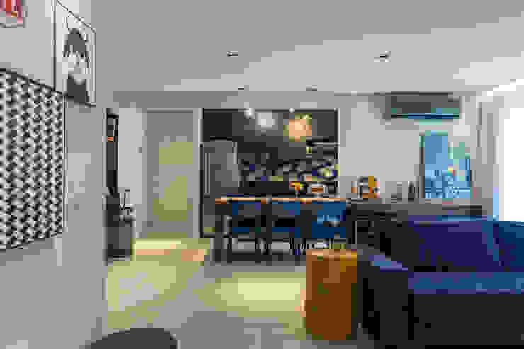 Sala de jantar integrada na cozinha Salas de jantar modernas por Márcio Campos Arquitetura + Interiores Moderno