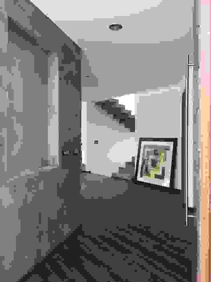 LA RIOJA Pasillos, vestíbulos y escaleras modernos de Arki3d Moderno