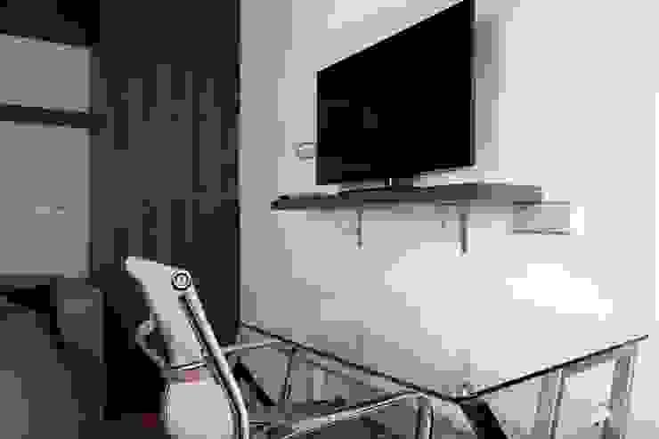 Quartos modernos por Brick Serveis d'Interiorisme S.L. Moderno