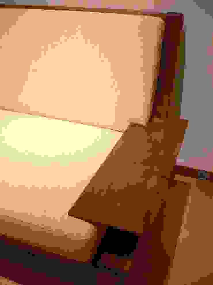 flat-sofa: Loop order furnitureが手掛けた現代のです。,モダン 木 木目調