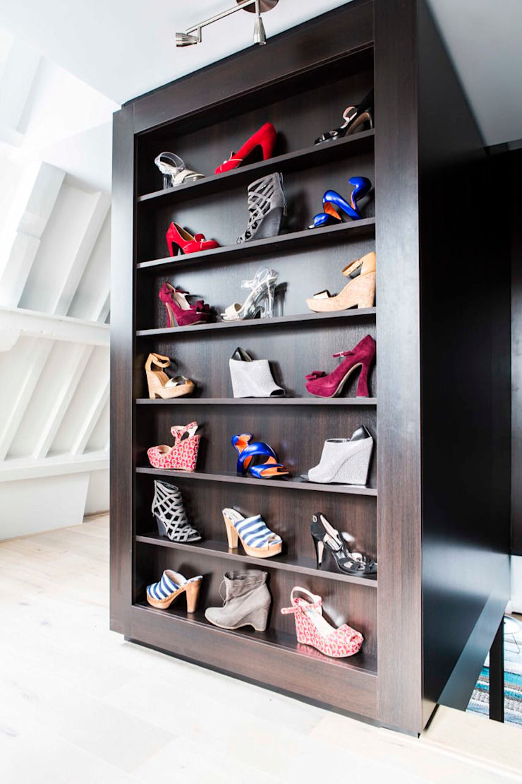 Closets por SMEELE Ontwerpt & Realiseert Moderno