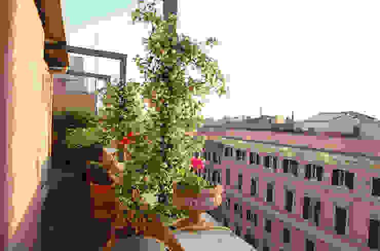 ROMA - Piazza Fiume Studio2Archi Balcones y terrazas de estilo moderno