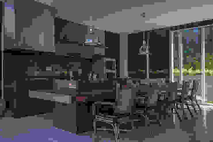 Casa Varandas, alpendres e terraços modernos por WMP Arquitetura e Ambientação Moderno