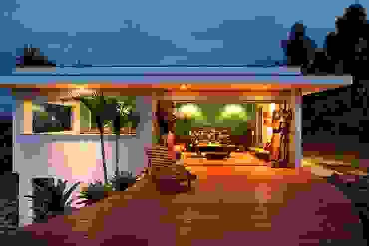 Carlos Salles Arquitetura e Interiores Salas de estilo moderno