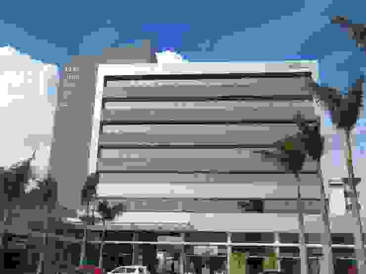 Paseo555 Espaços comerciais modernos por Sólido Arquitetura Moderno