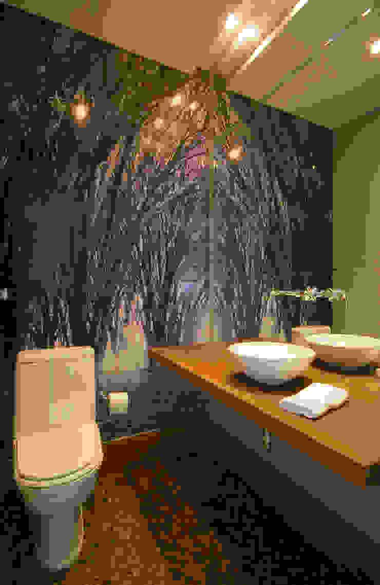 Casa Fbn Lozí - Projeto e Obra Banheiros clássicos