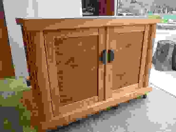 仏壇を載せる台: 工房 木歓坊 kikanboが手掛けた折衷的なです。,オリジナル 木 木目調