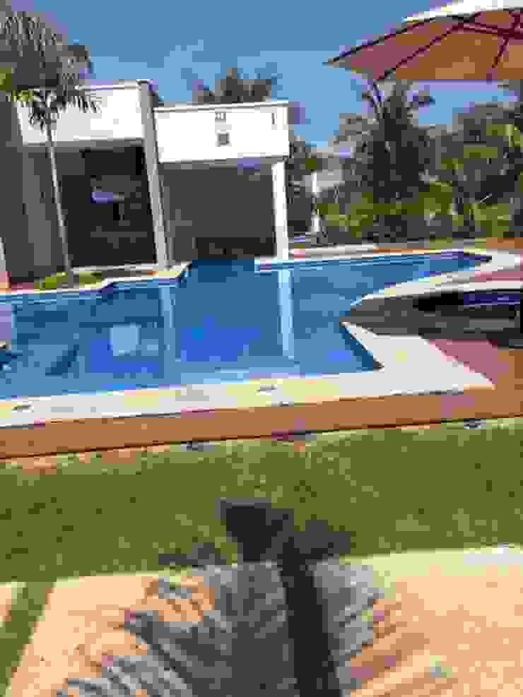 Beatrice Oliveira - Tricelle Home, Decor e Design Modern Pool