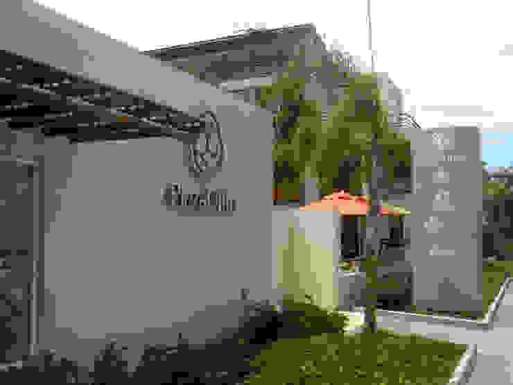 Plaza Ollin Casas modernas de José Vigil Arquitectos Moderno