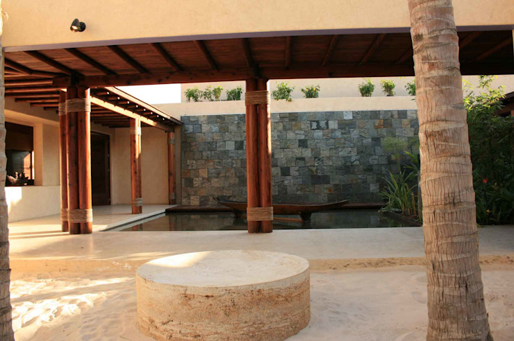 Casa del Agua Balcones y terrazas modernos de José Vigil Arquitectos Moderno