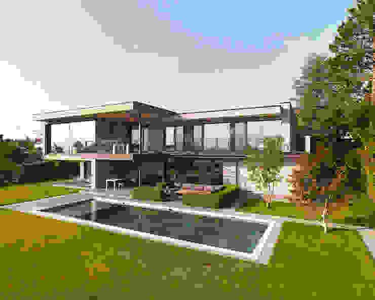 現代房屋設計點子、靈感 & 圖片 根據 meier architekten zürich 現代風