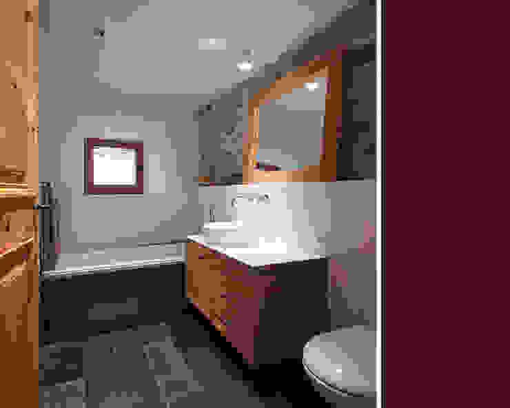 Bathroom by meier architekten zürich, Country