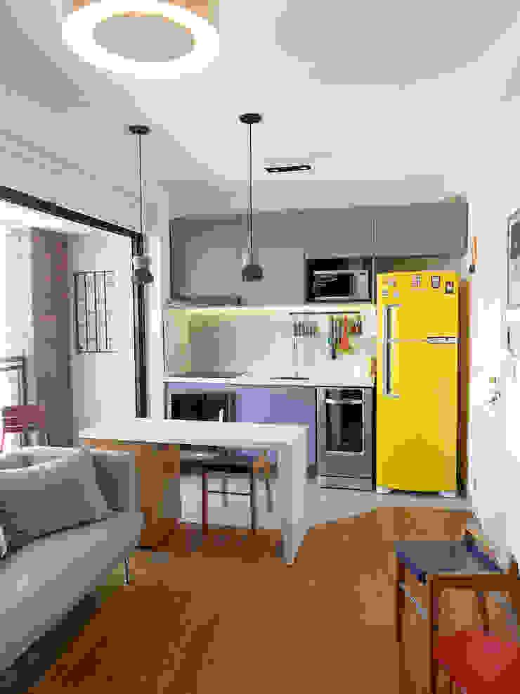 Modern Kitchen by LUB Arquitetura - Luiza Bassani Modern