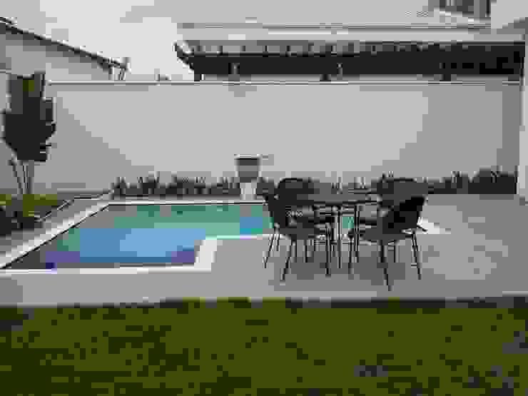 Residencia Carani Piscinas modernas por Arte Urbana Arquitetura Moderno