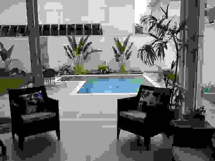 Residencia Carani Varandas, alpendres e terraços modernos por Arte Urbana Arquitetura Moderno
