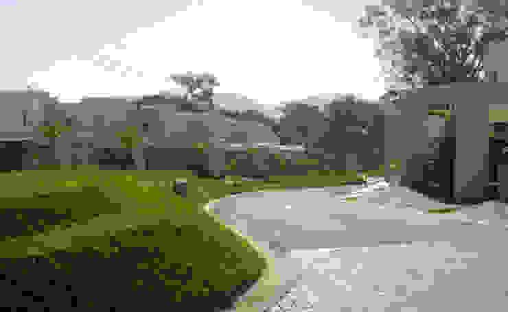 Alturas del Escalón Jardines modernos de José Vigil Arquitectos Moderno