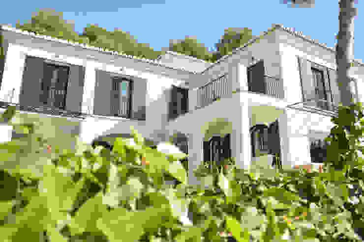 Casa Hazewinkel Casas de estilo mediterráneo de Domingo y Luque Arquitectura Mediterráneo Cerámico