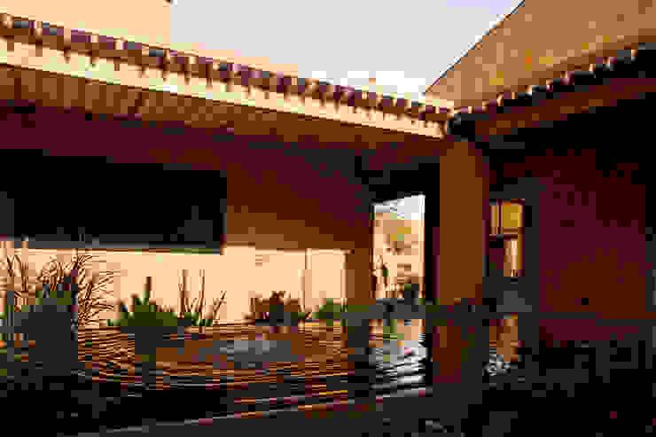 モダンな 家 の José Vigil Arquitectos モダン