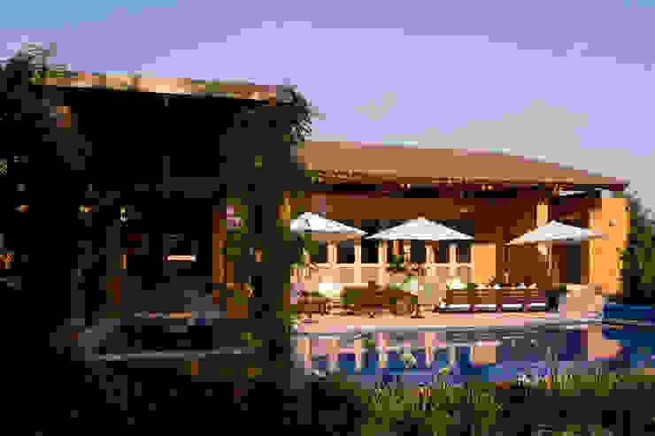 モダンスタイルの プール の José Vigil Arquitectos モダン