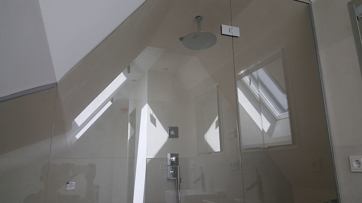 FD Fliesen GmbH Modern style bathrooms Glass
