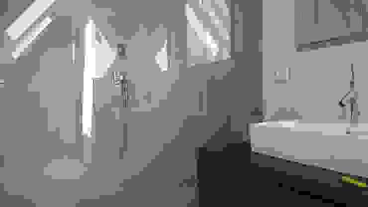 FD Fliesen GmbH Modern style bathrooms Tiles