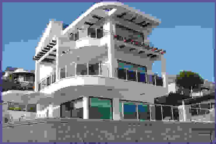 Casas estilo moderno: ideas, arquitectura e imágenes de SAYTAS SABUNCUOGLU YAPI VE TIC.LTD.STI. Moderno