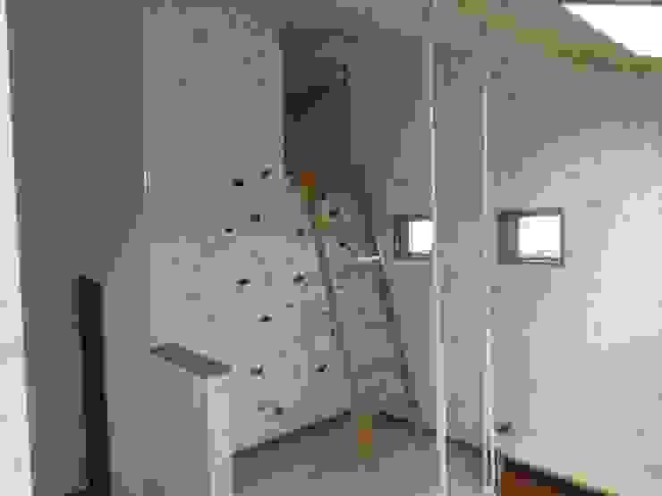 ファミリースペース モダンデザインの 子供部屋 の DIOMANO設計 モダン 木 木目調
