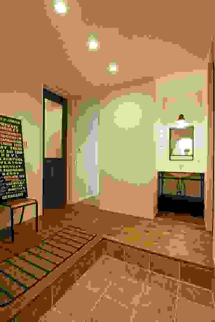 玄関ホール - 子育てをコンセプトにした住まい「育みの家」 インダストリアルな 玄関&廊下&階段 の ジャストの家 インダストリアル