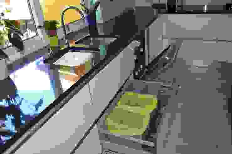 Modern Kitchen by Ansidecor Modern