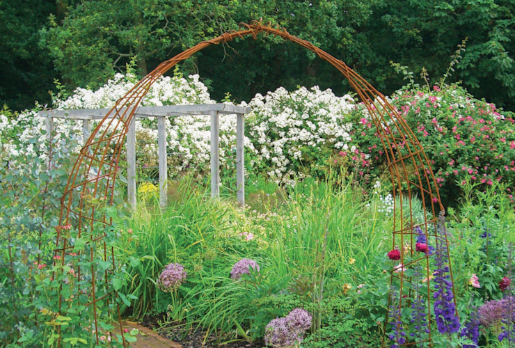 English Country Garden Rustic style garden by Yorkshire Gardens Rustic