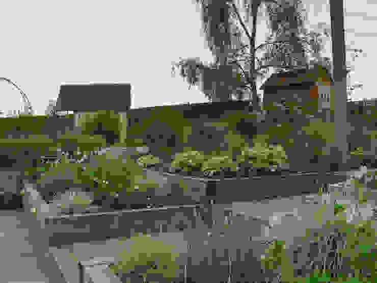 Сады в . Автор – Yorkshire Gardens, Рустикальный