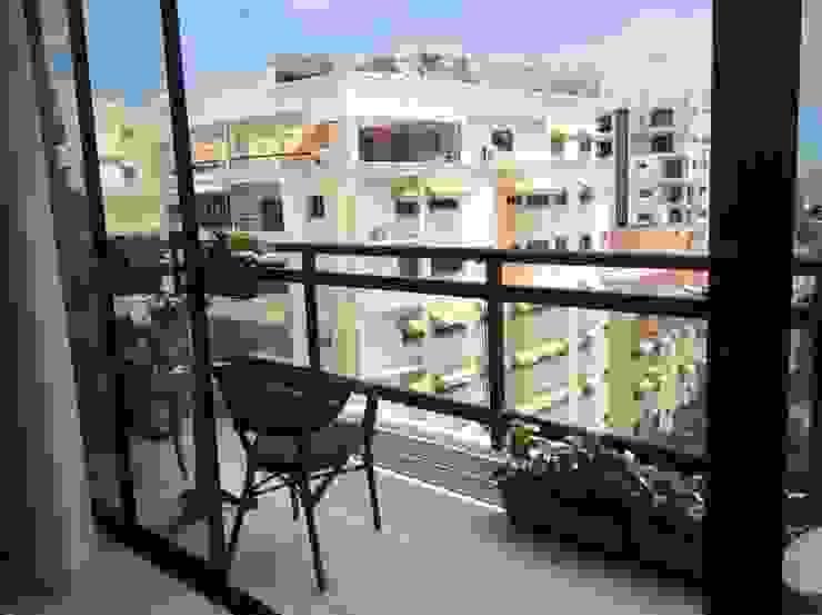 Balkon, Beranda & Teras Modern Oleh I.g.interiorismo.paisajismo Modern