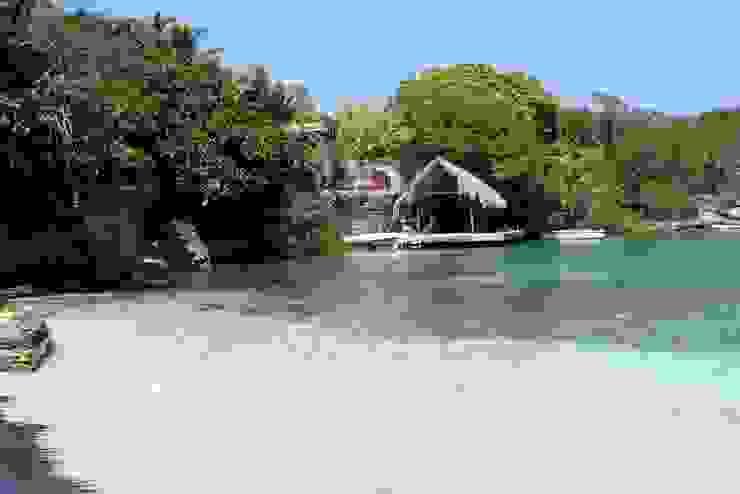 Isla Única Cartagena: Casas de estilo  por Kubik Lab, Tropical