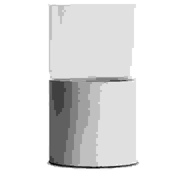 "Concrete vase ""Tara"" Betoniu GmbH 陽台、門廊與露臺 植物與花"