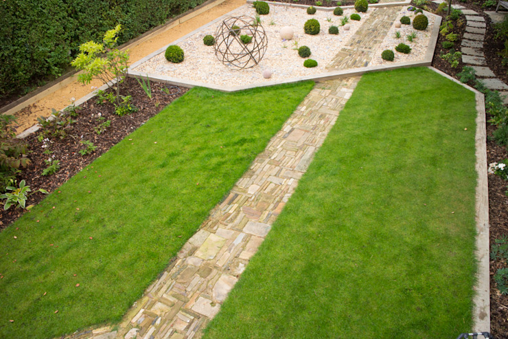 A Modern Garden with Traditional Materials Giardino moderno di Yorkshire Gardens Moderno