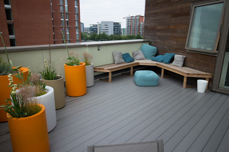 Vibrant Roof Terrace Yorkshire Gardens Balkon, Beranda & Teras Modern