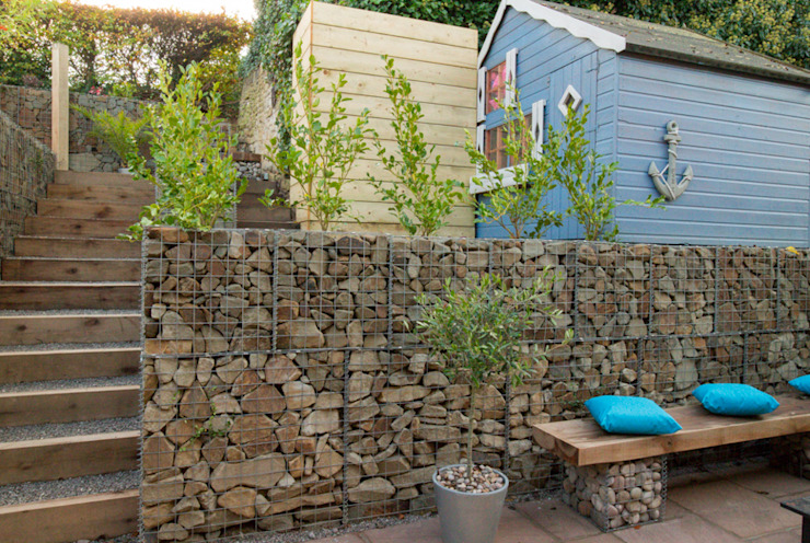 Small Garden with a Very Steep Slope Сад в стиле модерн от Yorkshire Gardens Модерн